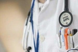 Schlafkrankheiten gehören in die Hände eines Arztes