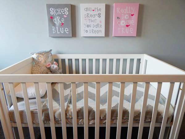 Ein Babygitterbett - das ideale Bett für den Anfang
