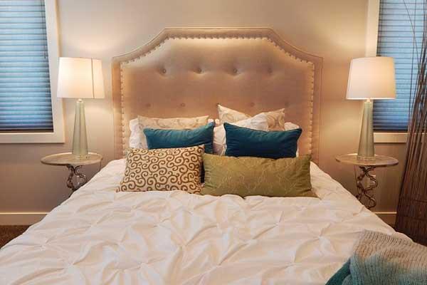 Finden Sie Ihren eigenen Schlafzimmer Stil - damit Sie Abend für Abend immer wieder gern ins Bett gehen